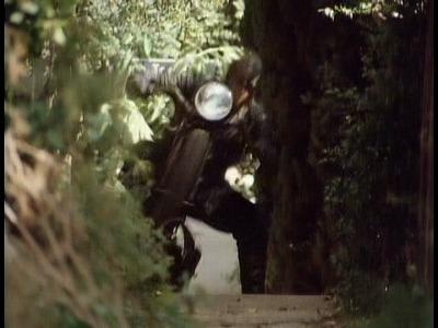 私立探偵フィリップ・マーロウより(階段登ってます。)